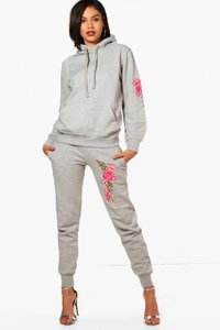 boohoo-grace-fit-athleisure-hooded-embroidered-tracksuit-Eik17LkA54G2h5c7YEaFibmQk-300