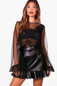 boohoo-camille-dobby-spot-lace-and-mesh-blouse-wamNELuf7cc2C5RfBEcsUbnFt-300