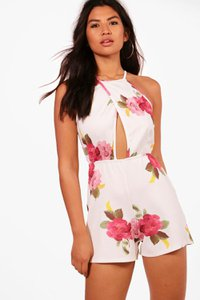 boohoo-stephanie-floral-pleated-playsuit-iuaZnL1K7NWa55kT2EW7gcM7Z-300