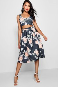 boohoo-carina-crop-top-full-midi-skirt-co-ord-set-jdkCbLxUF5yky5cRXEwFBba4q-300