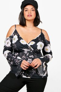 boohoo-plus-melissa-printed-open-shoulder-wrap-top-WDAXtLWBdapUn5b78EAzQbPUo-300