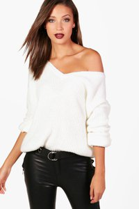 boohoo-tall-milly-oversized-v-front-jumper-U5WmTLGtCr9pM5wtPEuVwbpHv-300