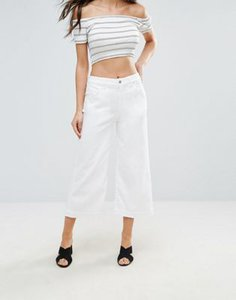 7-for-all-mankind-7-for-all-mankind-cropped-flared-white-jeans-9ocnzgSP727aoDoaasVVt-300