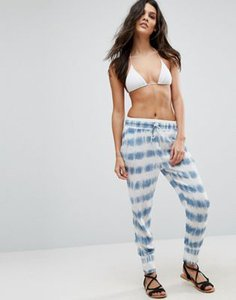 amuse-society-amuse-society-tie-dye-print-beach-trousers-4sHKswAJpS5Ss3unA5n-300