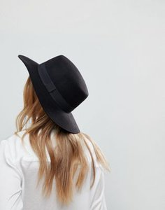 asos-design-asos-easy-felt-boater-hat-with-size-adjuster-nbYESEs3c2rZ6y3bRdD5H-300