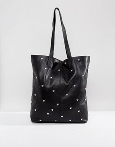 asos-asos-leather-80s-heart-stud-shopper-bag-vzX5qR2L12E3wMAtUXB6W-300