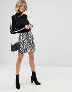 asos-asos-mini-skirt-in-zebra-print-with-circle-zip-trim-HnVBSV1HP2bXCjFX4QaJw-300