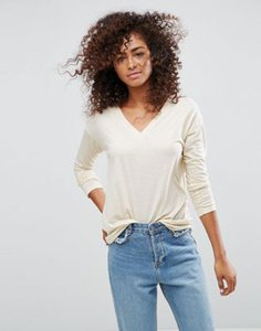 asos-asos-v-neck-long-sleeve-t-shirt-in-linen-mix-fabric-A8MfjYfYb2SwQcqGRq1Xc-300