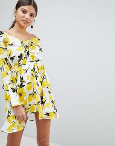 boohoo-boohoo-exclusive-off-shoulder-lemon-print-dress-fSQim4Udd2hyWsb994hLn-300