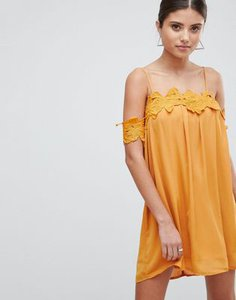 boohoo-boohoo-lace-applique-cold-shoulder-smock-dress-EiX6ZTy5m2E3JM8DHXAqB-300