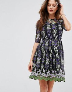 club-l-club-l-embroidery-skater-tea-dress-sgMAZ1Pmv2SwScp9TqiQq-300