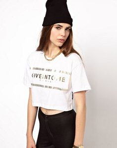 criminal-damage-criminal-damage-crop-t-shirt-with-give-in-to-me-print-qPwAPcRJaSHS837n7AB-300