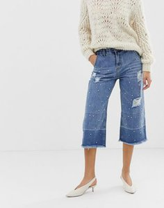 current-air-current-air-wide-leg-cropped-jean-with-unravelled-hems-and-pearl-embellishment-RVPKxAk9h25TZEiazxH9L-300