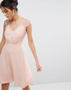 elise-ryan-elise-ryan-v-neck-midi-dress-with-eyelash-lace-sleeve-KigT8gTJyS6S832naib-300