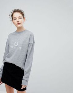 fred-perry-fred-perry-embroidered-wreath-logo-sweatshirt-XSYFBGpHQ2rZzy1VhdCq3-300