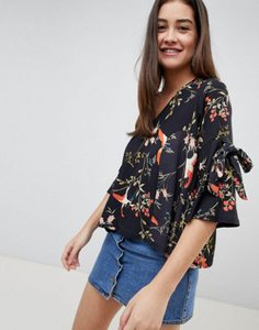 girls-on-film-girls-on-film-floral-tie-sleeve-blouse-c1XqjDcgf2E3fM8KsXRvj-300