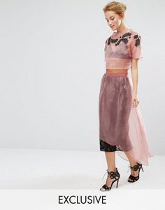 hope-and-ivy-hope-ivy-midi-skirt-in-lace-with-organza-overlay-co-ord-6BzYib6JVRUS93cnt9x-300