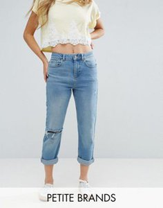 miss-selfridge-petite-miss-selfridge-petite-distressed-mom-jeans-qSYE9VsQe2rZpy3ZKd9pp-300