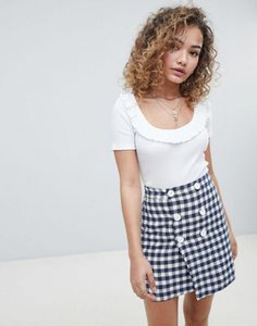 miss-selfridge-miss-selfridge-scoop-neck-crop-top-with-frill-detail-in-white-i5PaxP6Tw25TmEhLixF7s-300