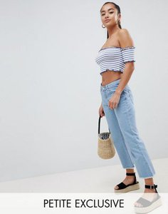 missguided-petite-missguided-petite-exclusive-petite-cropped-flare-jean-upYyYtyLN2rZcy2Y7dt9x-300