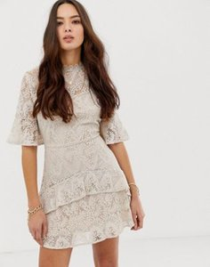moon-river-moon-river-tiered-lace-mini-dress-rDadYsa7e2V4QbvFFkgXe-300