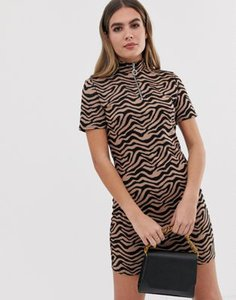 prettylittlething-prettylittlething-zip-front-bodycon-dress-in-tiger-print-qcPqgsSh625TrEgZ9x9oF-300