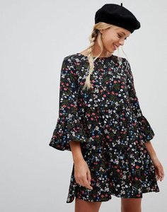 qed-london-qed-london-floral-smock-dress-with-ruched-sleeve-hKMATFN622SwScp4MqtBr-300