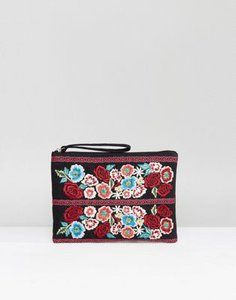 reclaimed-vintage-reclaimed-vintage-inspired-embroidered-floral-clutch-bag-cPP4FhPwX25TDEjfzxNT5-300