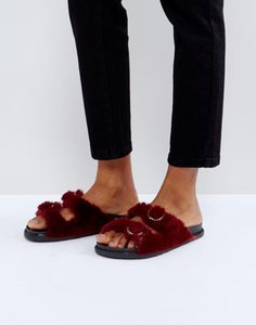 river-island-river-island-faux-fur-double-buckle-sliders-ssQUHEbEJ2hynsbX94FtS-300