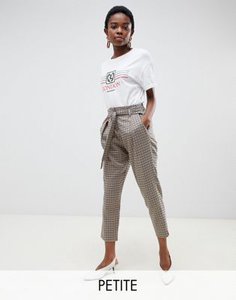 river-island-petite-river-island-petite-tapered-trousers-with-tie-front-in-check-kbYyqdySS2rZ1y2zedwQZ-300