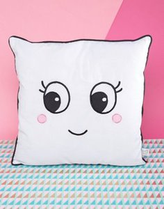 sass-belle-sass-belle-fun-face-cushion-zsQskR1JsS8Ss39nApf-300