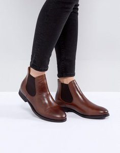 selected-selected-chelsea-leather-boot-bHcY5MZht27a5Doc4sAZ7-300