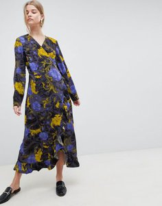selected-selected-sonja-floral-wrap-midi-dress-oaQim4Udf2hyjsbv74hLC-300