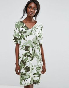 selected-selected-tropical-print-shift-dress-2ucHNsCVe27aHDpQdsFsu-300