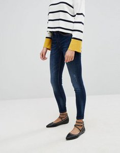 stradivarius-stradivarius-sculpting-high-waist-jeans-with-raw-edge-hem-KFYyF9zFM2rZvy2hKdpt7-300