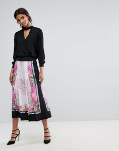 ted-baker-ted-baker-painted-posie-pleat-culotte-7dMfjYf3e2SwScqFVq1XM-300