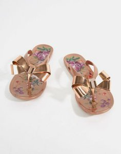 ted-baker-ted-baker-rose-gold-floral-bow-detail-flip-flop-f9YV9iDEr2rZty2wQd7nw-300