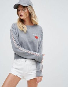 tommy-hilfiger-denim-tommy-hilfiger-denim-crew-neck-sweatshirt-with-lip-logo-9GVwFQ8W72bXujEbUQC7T-300
