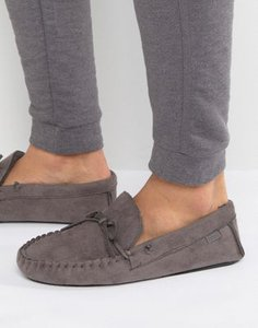 totes-totes-moccasin-slippers-atX535WAq2E3sM9SdXeLL-300