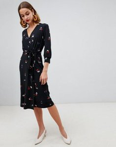 warehouse-warehouse-floral-print-wrap-dress-in-black-QaMfqR8ga2SwUcpsqqeZc-300