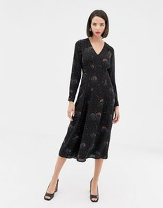 warehouse-warehouse-midi-dress-with-star-print-in-black-bXcYfqYvt27ajDojWsH55-300