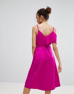 warehouse-warehouse-occasion-ruffle-wrap-dress-n8XqNN6nT2E3yM7WyXnfw-300