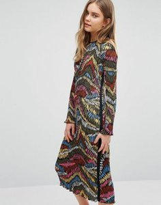 warehouse-warehouse-printed-plisse-midi-dress-K6bkTvFJsSYSP3MnnKt-300