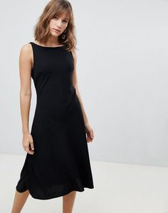 warehouse-warehouse-tie-back-midi-dress-in-black-YHUXKkPKK2y1M7MjgHwhk-300
