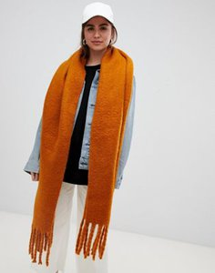 weekday-weekday-oversized-scarf-in-rust-r8Qi4pTjh2hyHsbXP4kbA-300
