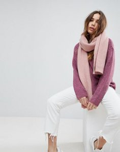 weekday-weekday-wool-mix-oversize-chunky-scarf-Hvc3DZG2B27aFDngNsvhu-300