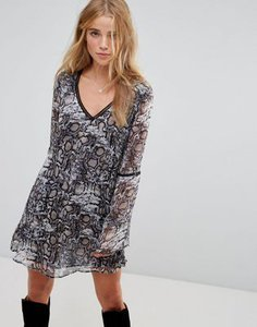 wyldr-wyldr-show-me-the-way-snake-charmer-printed-tea-dress-with-trim-inserts-TCVSrDNRY2bXUjE73QRjU-300