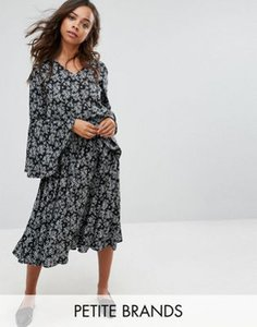 yumi-petite-yumi-petite-floral-midi-dress-with-frill-sleeve-WKXLmYrP12E3WM8MGXZ2c-300