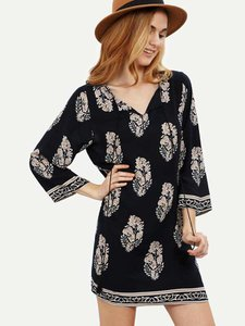 shein-shein-vintage-print-v-cut-shift-dress-3M8EKrnEMKDgavDn54sP2ieQFdTNnAfB-300
