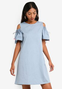 brave-soul-cut-out-shoulder-smock-dress-with-drawstring-ckTjZiqezyq22n9Ffa5crKWv26tMuUme5uLo-300